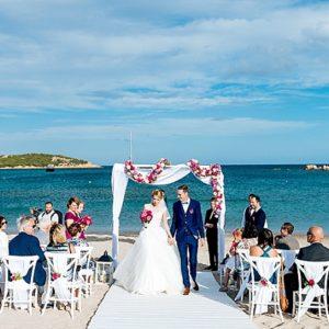Matrimonio in spiaggia in Sardegna | Cala Petra Ruja | Cala di Volpe