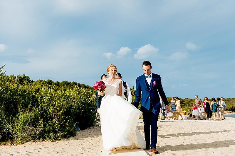 Matrimonio Gay Spiaggia : Matrimonio in spiaggia sardegna cala di volpe